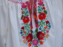 Hungary and their embroidery... My heart is jumping. Such amazing costume!